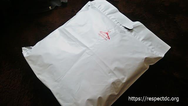 エアークローゼットの洋服を返送する袋