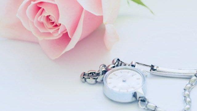 結婚式マナー違反にならない腕時計