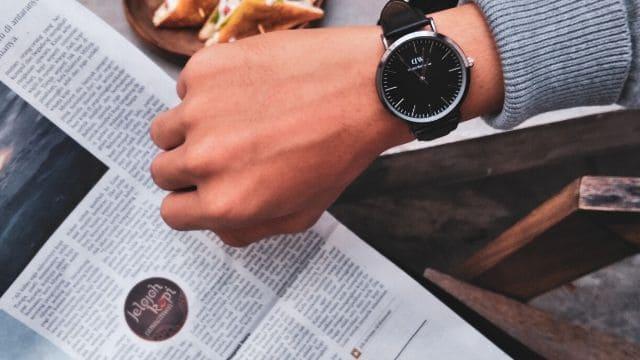 風水腕時計文字盤黒