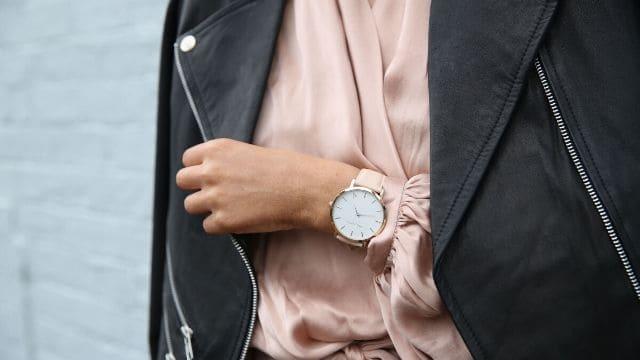 風水腕時計文字盤の色