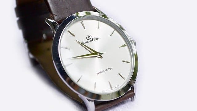葬儀腕時計マナー革ベルト