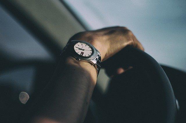 腕時計を身につける男性心理